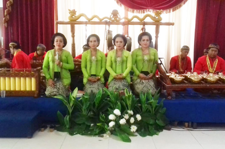 tiga_dara_Entertainments_Campur Sari Gamelan